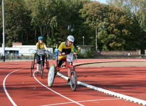 Ikar  en Femke  op de 1500m  bij de DKF-RRNL  regiowedstrijd op   13.09.20 op de Laan van Poot.